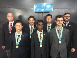 2014-US-Physics-Team_medals